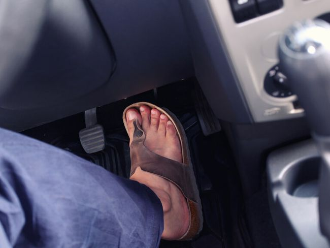 Barfuß Autofahren Erlaubt