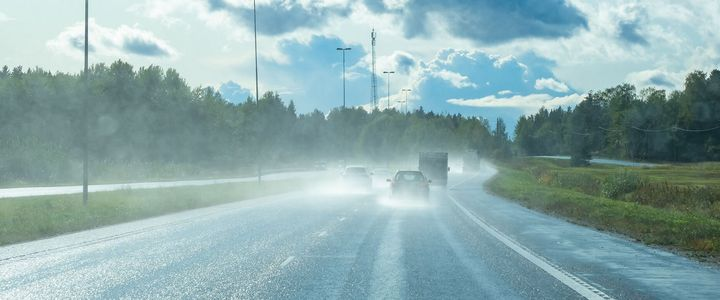 Bei Gewitter Auto fahren
