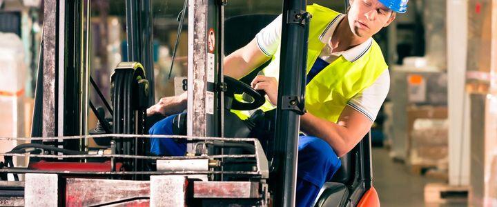 Gabelstaplerfahrer:in - Jährliche Fortbildung